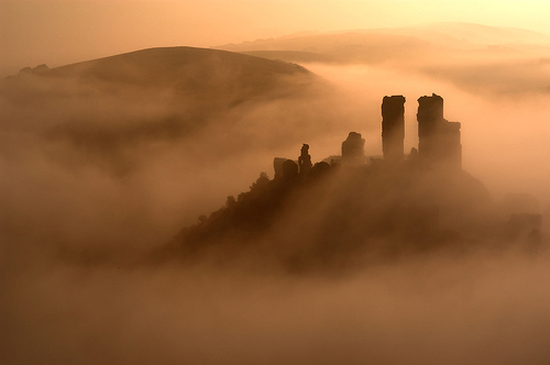 Corfe Castle by Andrea Crema (some rights reserved)