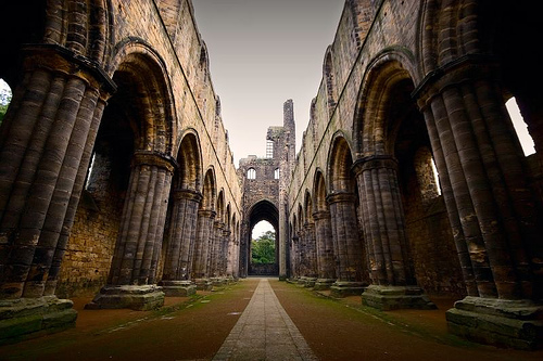 Kirkstall Abbey (Leeds) by tricky